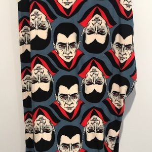 Spooky Dracula leggings